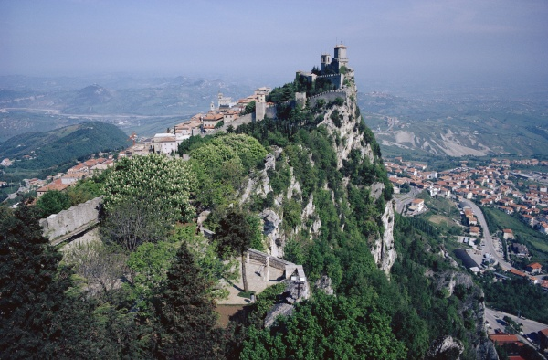 Discover pictures and videos of San Marino here!